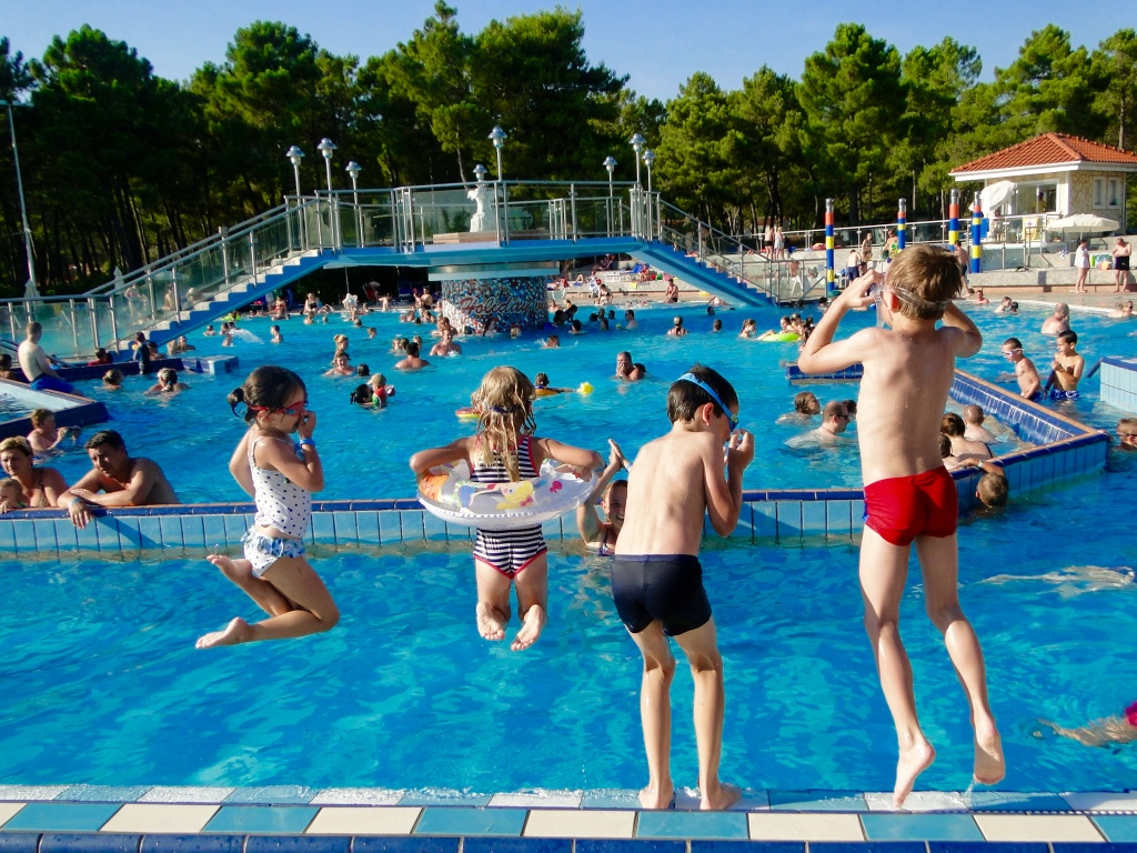 croatia-holiday-resort-zaton-swimming-pool